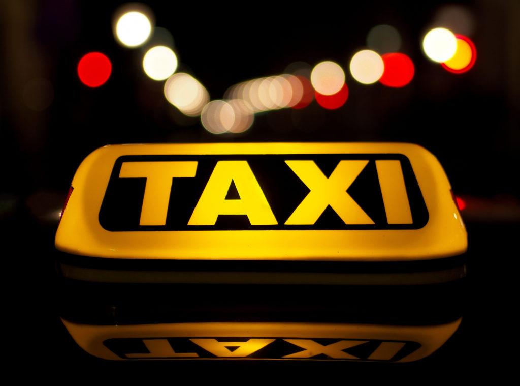 taxi pruszków